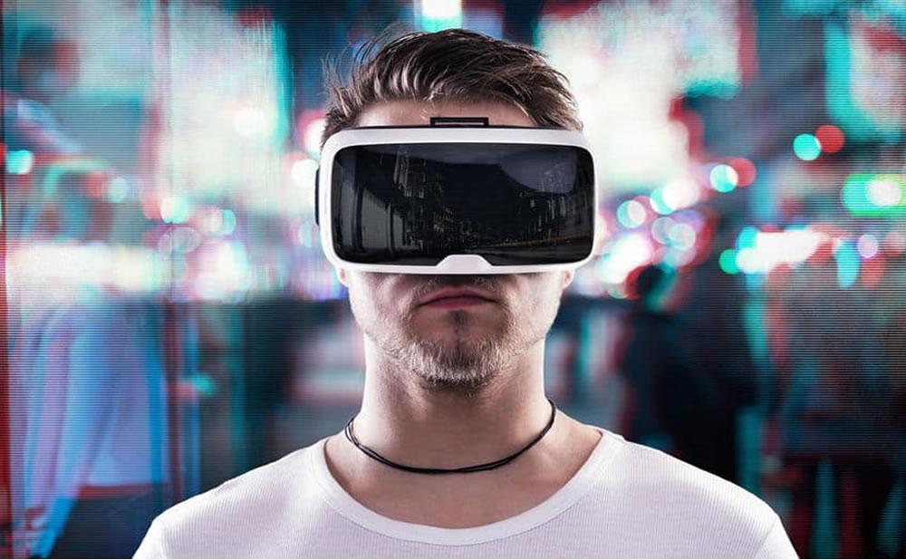 Pornografía de realidad virtual: Sus inicios, su evolución y su futuro