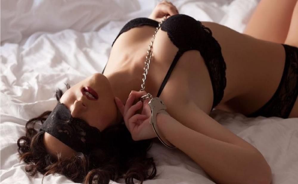 Sitio web Virtual X Porn: Reseña de sexo rudo con estrellas europeas y amateurs y otros tipos de experiencias porno
