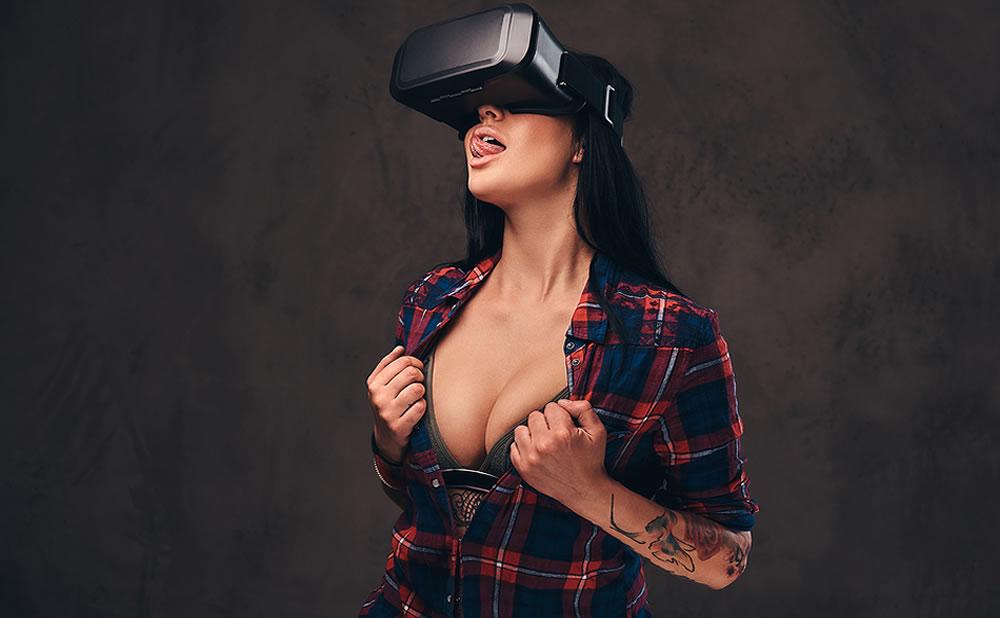 ¿Consumir porno en realidad virtual es engañar?